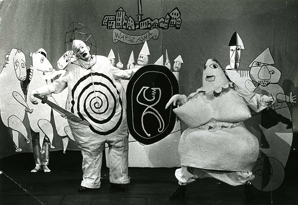 Kung Ubu, directed by Michael Meschke at the Marionetteatern, Stockholm, 1964. Costumes and puppets designed by Franciszka Themerson, © Themerson Estate, London
