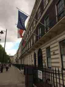 ambasada widok zewnatrz
