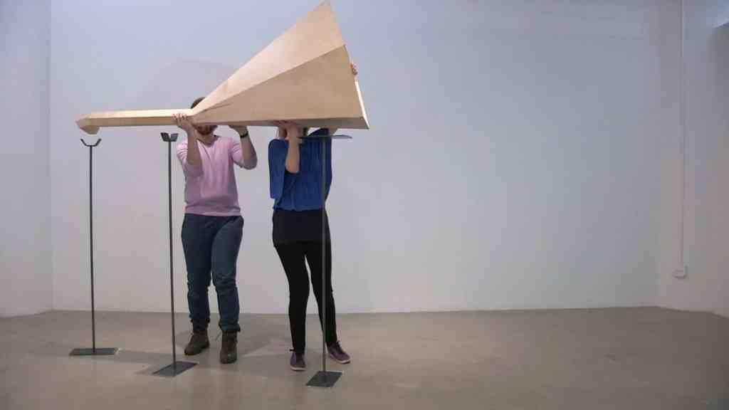 Anna Orlikowska, Entre medio de, 2017 (video film still), El Museo de Los Sures, Brooklyn, New York
