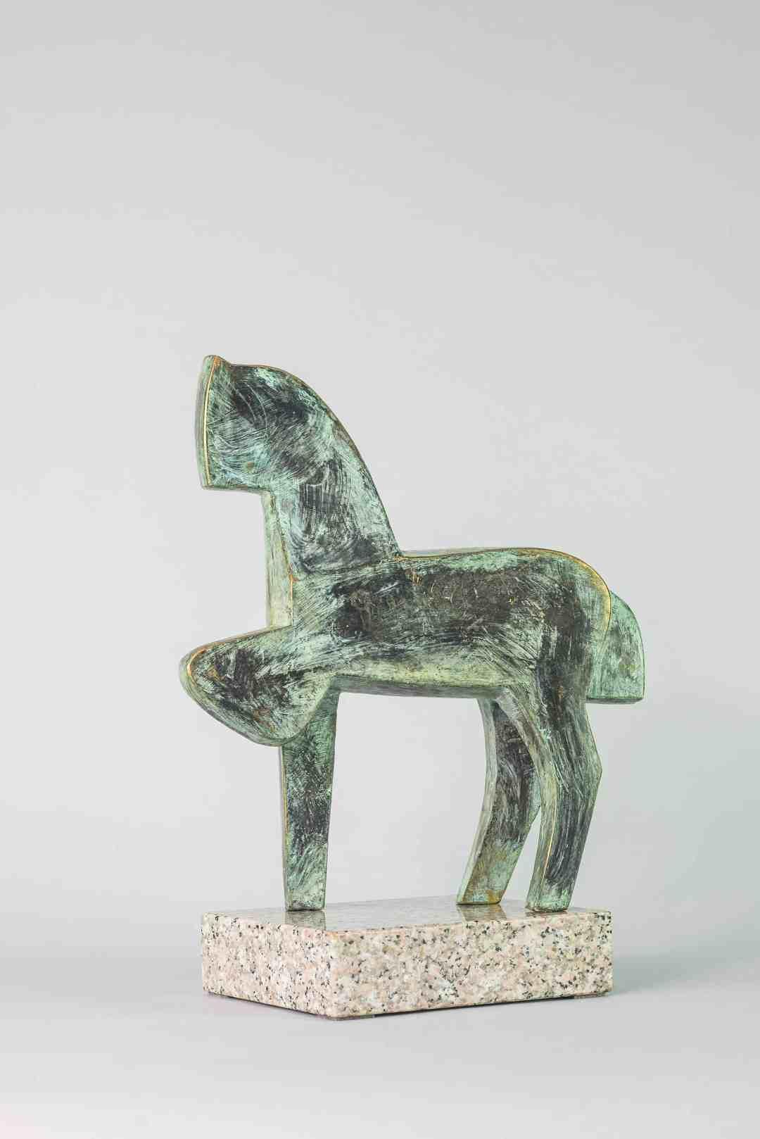 Roman Solski (b.1957 Łódź), Cubist horse, bronze, granite, 40,5 x 20 x 17 cm