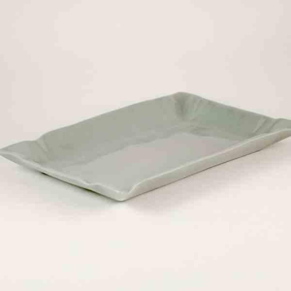 LIGHT GRAY PAPER PLATE by Manufaktura Porcelany
