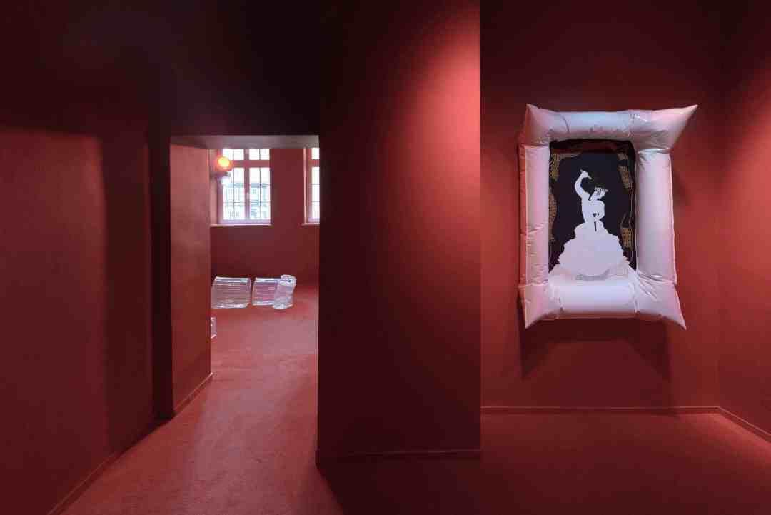 Zuzanna Czebatul, T-Kollaps, exhibition view, Gdańska Galeria Miejska, 2019, photo: Bartosz Górka