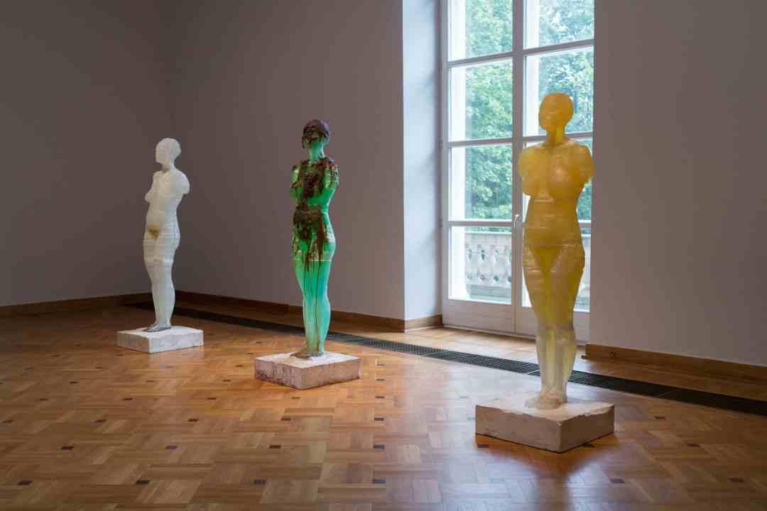 Maria Kulikovska, Homo Bulla, 2015, Installation view Krolikarnia, ©Art Collection Deutsche Telekom