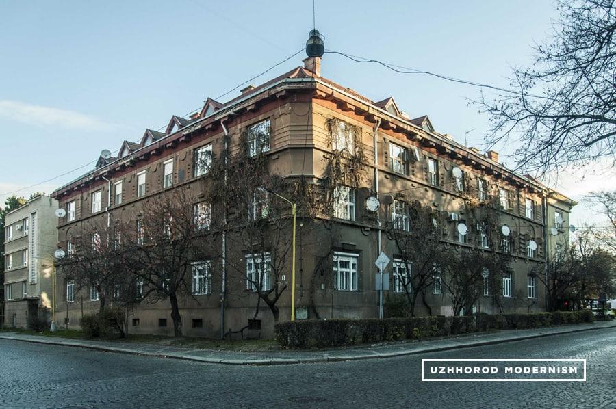 Użhorod, Temporary Building of Regional Government, fot. Użhorod Modernism