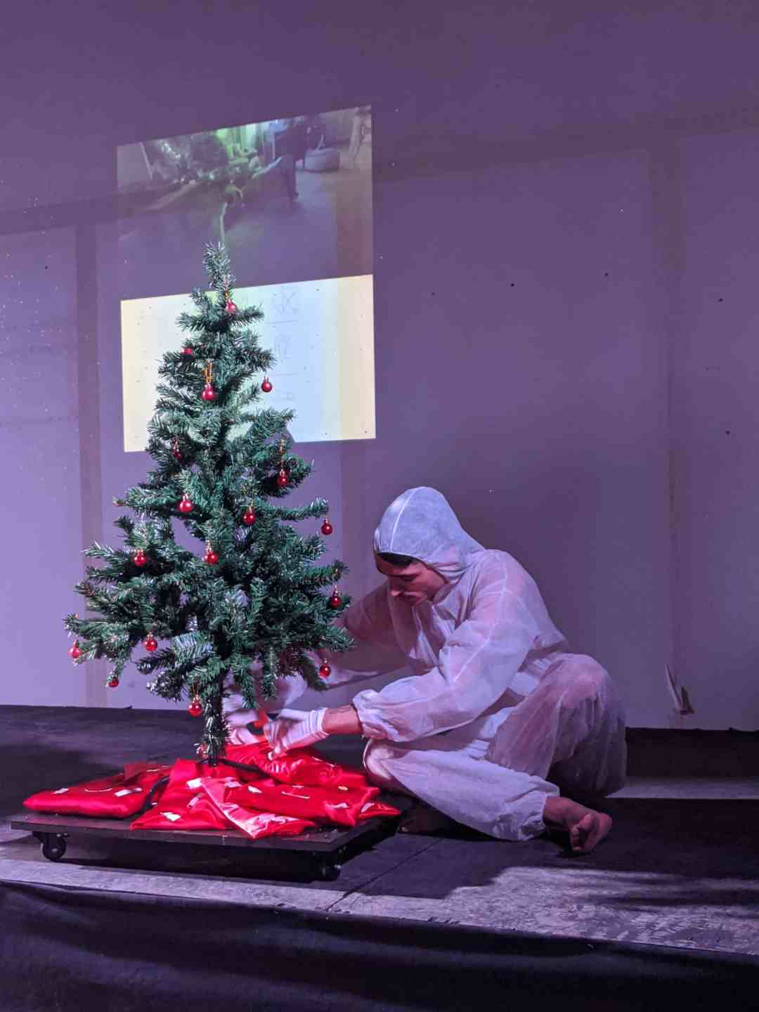 ©®38191613162016135195209451435, 'The Gift', AuctionCR28112019, 2019. Performance, curated by Belinda Martin Porras, The Biscuit Factory, London
