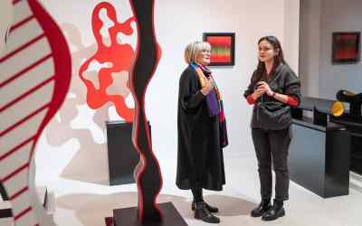 BETWEEN THE PHYSICAL AND THE SYMBOLIC. EXHIBITION OF SCULPTURES BY VERONICA TAUSSIG