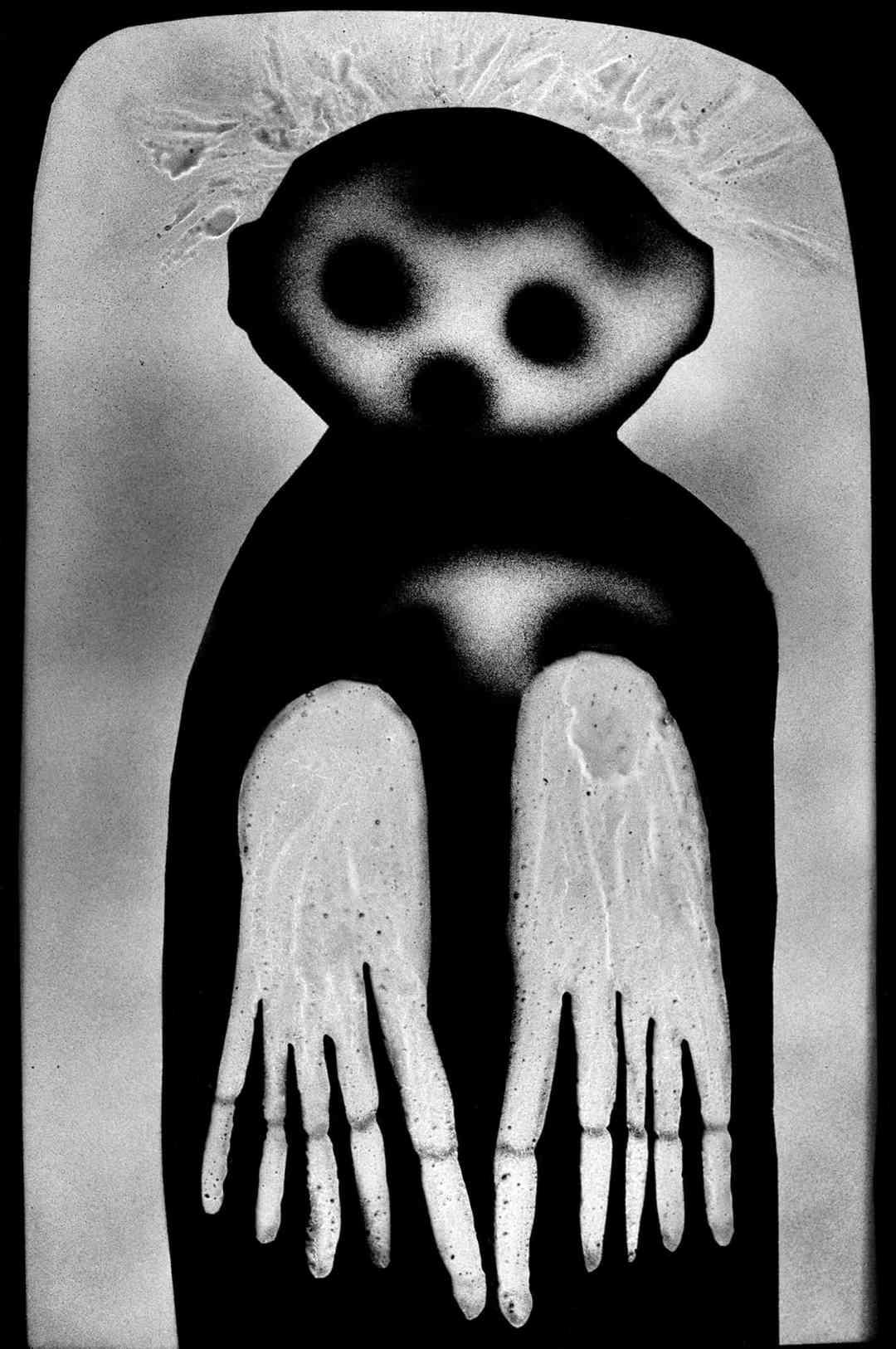 Roger Ballen, Waif, 2012, cm 61x43, archival pigment print, ed. 3/6, Courtesy Collezione Ettore Molinario, ©Roger Ballen