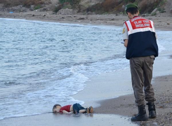 Will This Emotionally Powerful Image Change Europe's Attitude Towards Refugees?