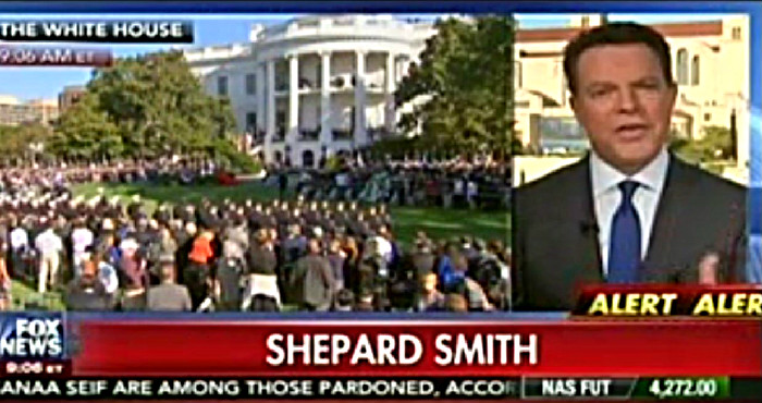 """Fox's Shepard Smith Tells Colleague That Pope Isn't Being """"Political"""" Regarding Climate Change"""