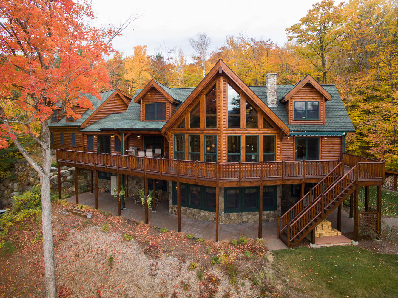 Mountain lodge luxury house plans for Mountain house lodge