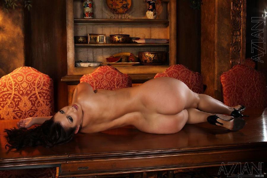 Seductive woman with big ass  Aria Giovanni 12 pics  Erooupscom