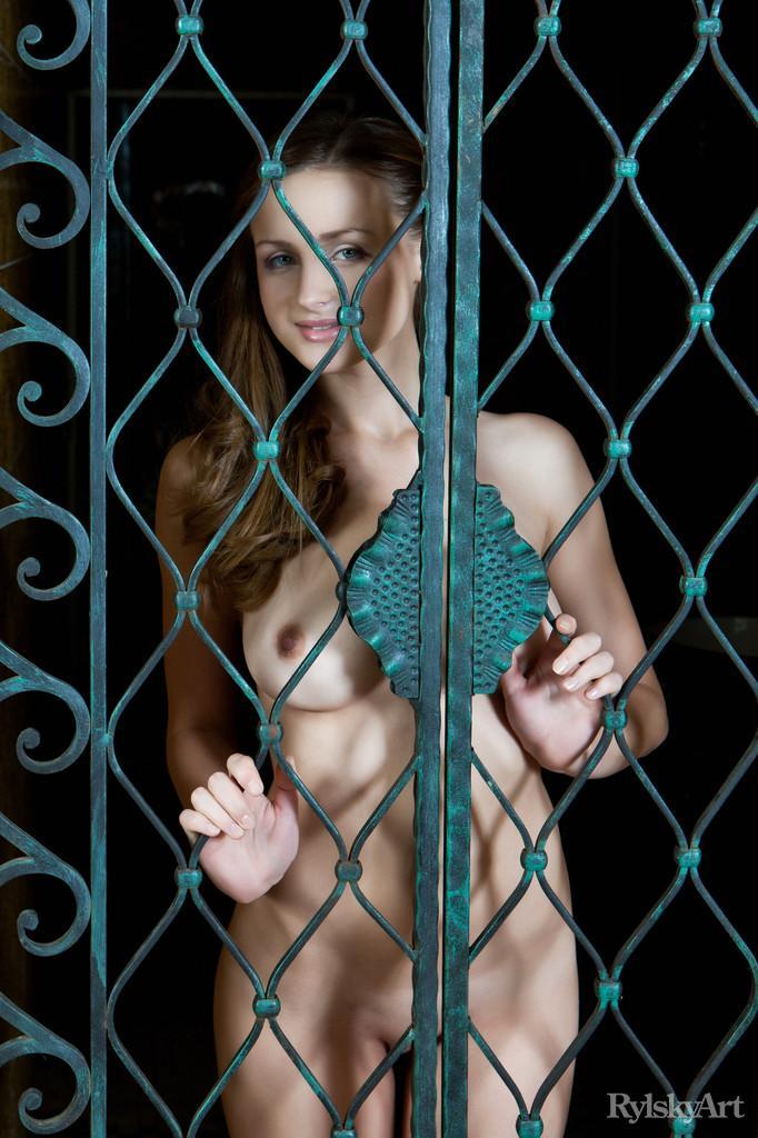 Naked and beautiful Vittoria Amada - 1