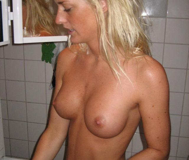 Blonde Amateur With Pretty Tits