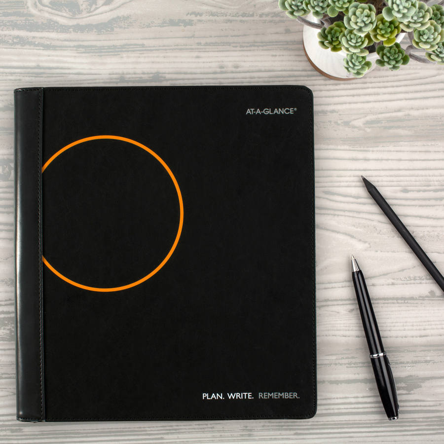 At-A-Glance Plan.Write.Remember. Monthly Planner and