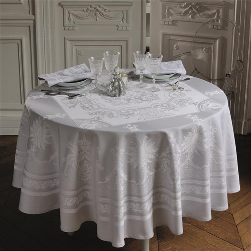Beauregard solid jacquard table linens in Grey