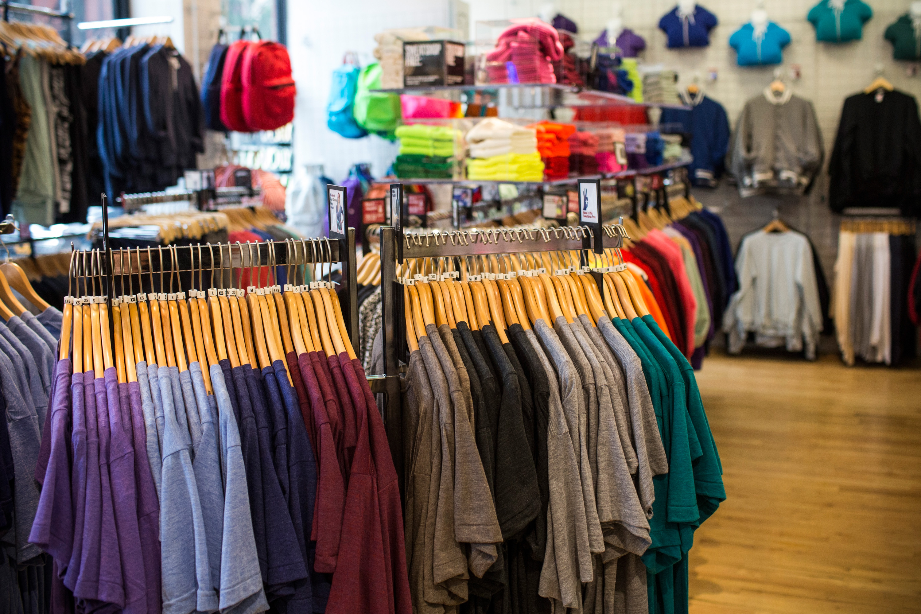 can american apparel save