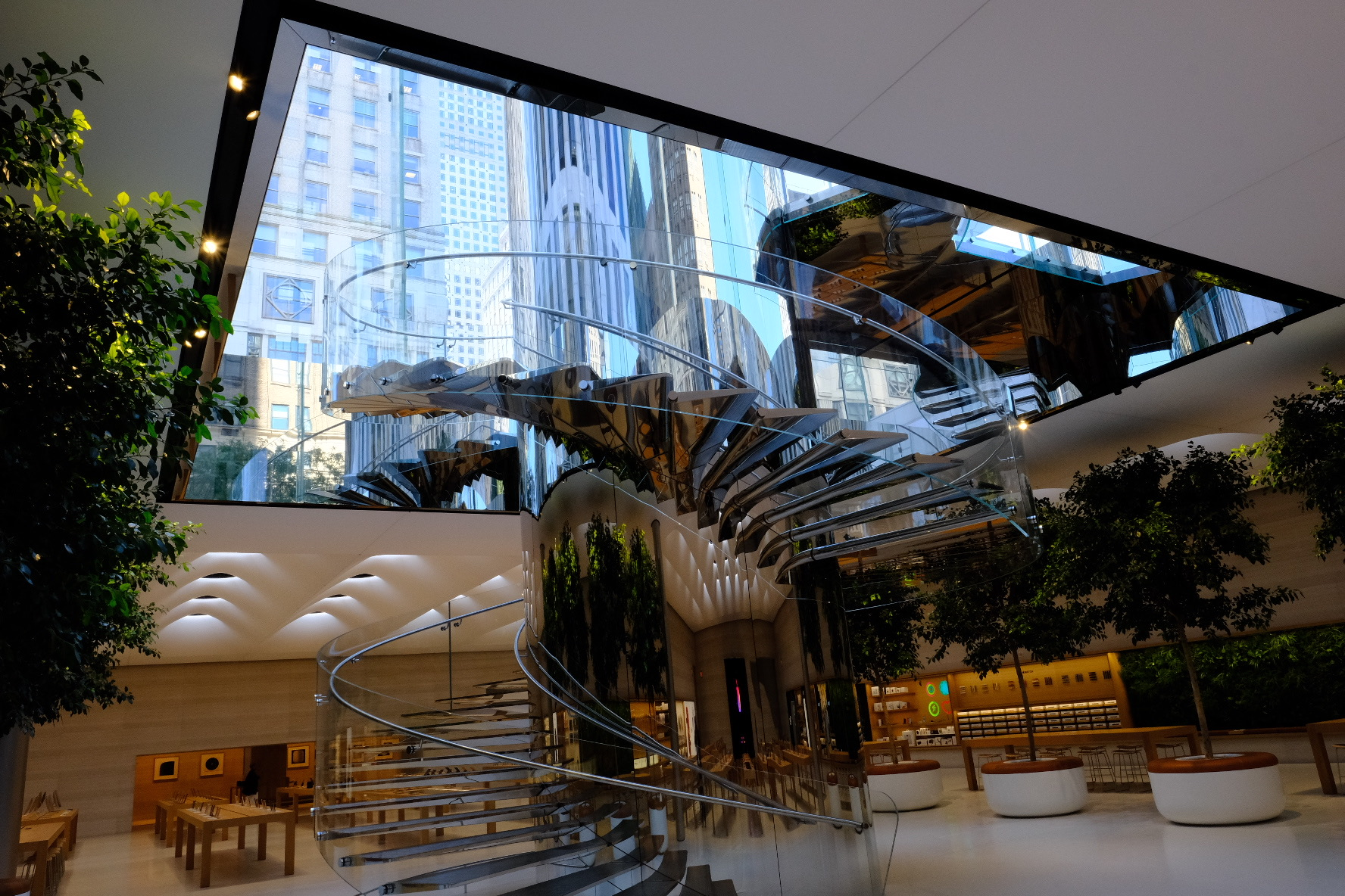 How Apple Brought Its Most Important Store Back To Life—Data Sheet