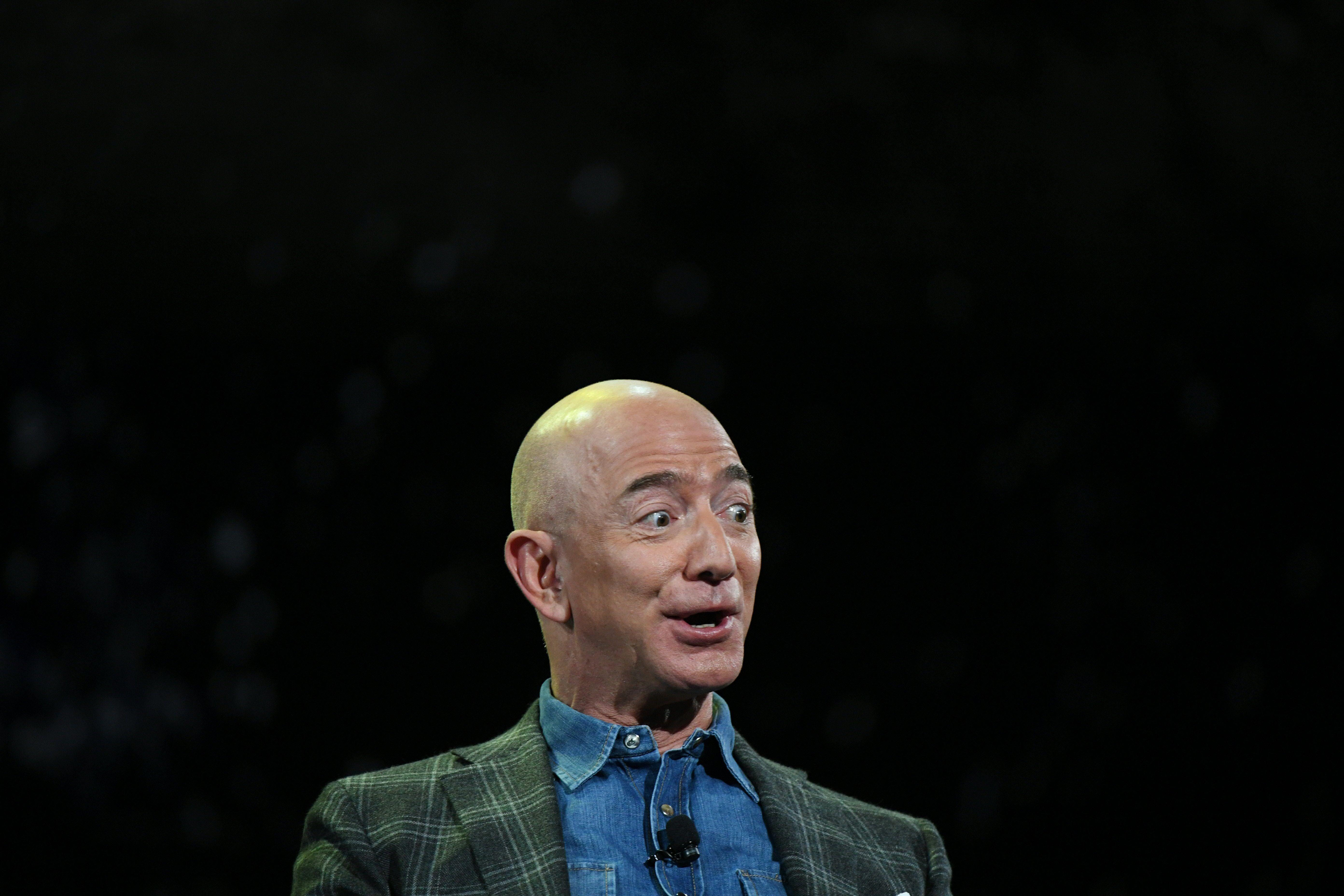 Bezos's $10 billion Earth Fund could shape Earth in Bezos's favor