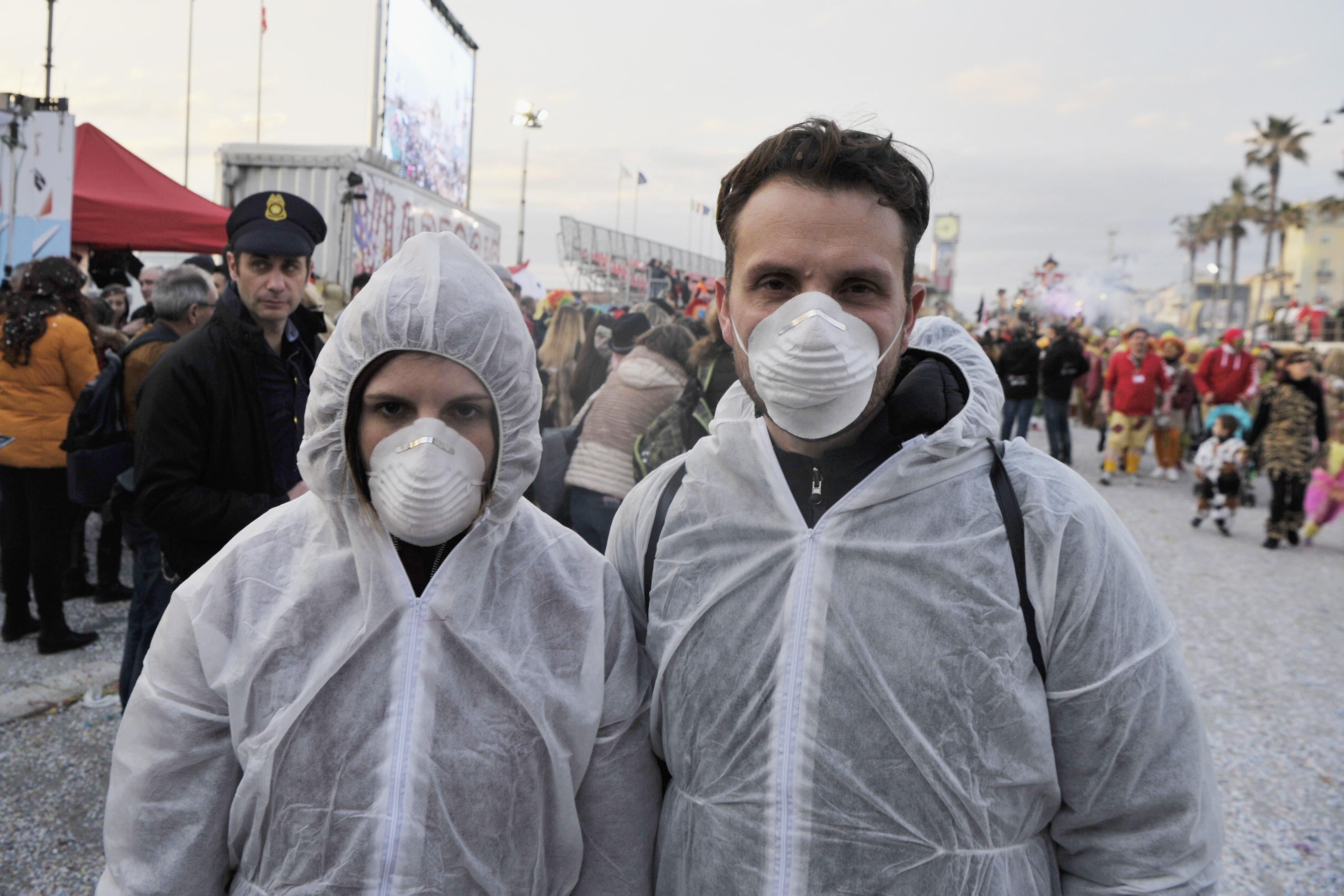 The coronavirus crisis spread to new markets, including Italy ...