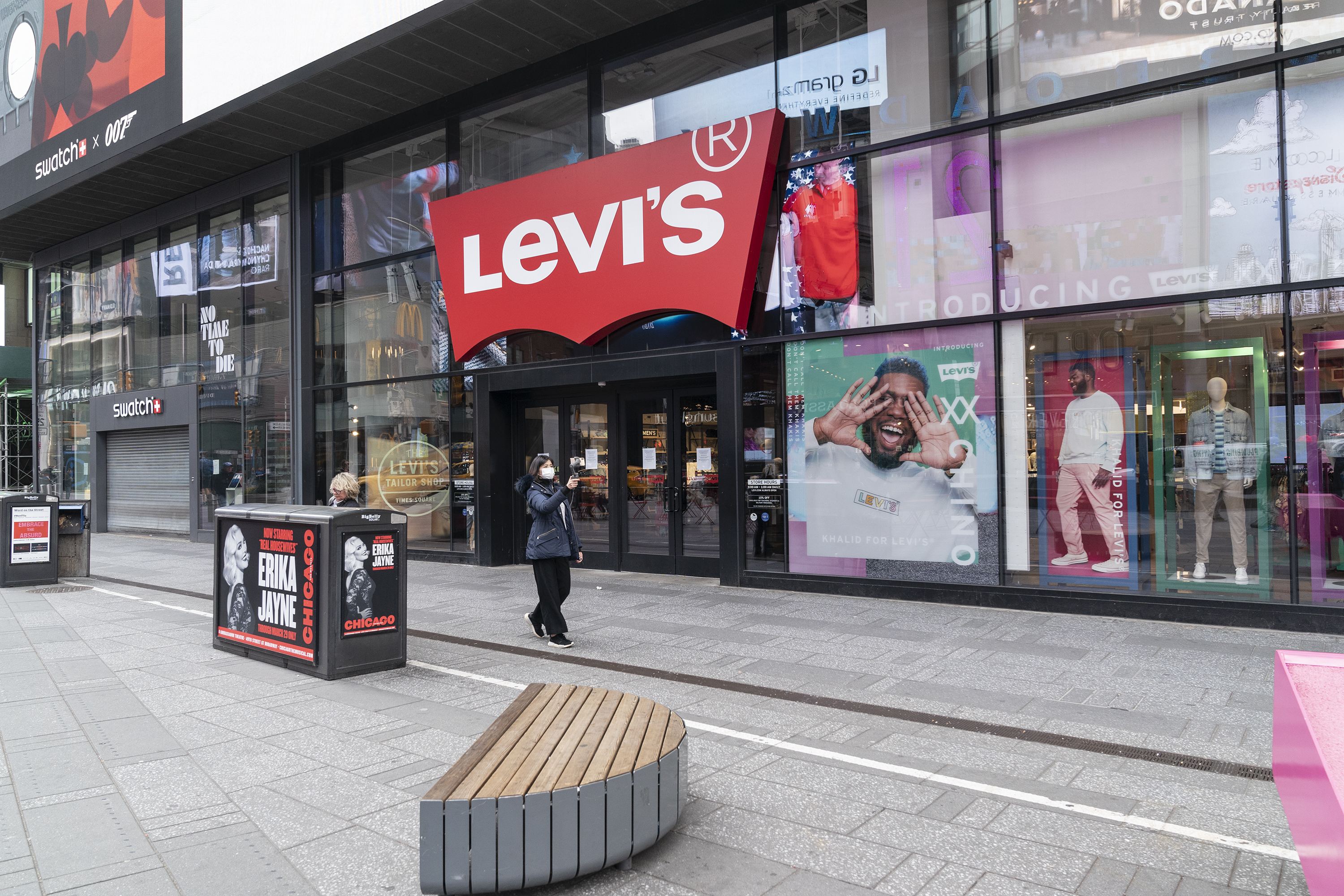 Levi's focuses on keeping customers' attention online while stores are closed