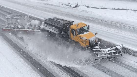 ODOT Tow plow on I-84 in eastern Oregon
