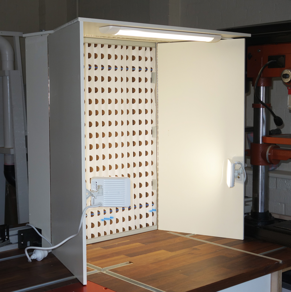 benchtop spray booth with pictures