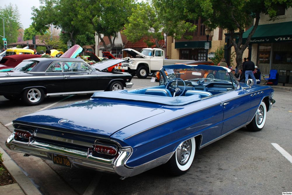 medium resolution of 1961 buick electra 225 convertible with top down dk met blu rvr