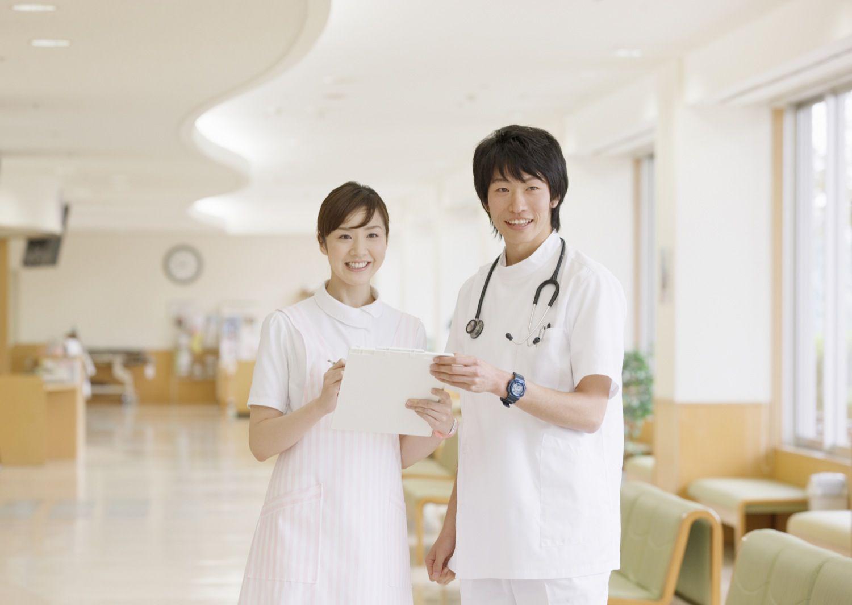 看護師男女