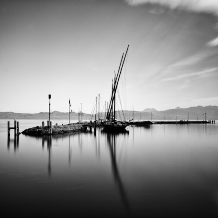 Dark Waterscapes – black and white photos by Stephane Suisse