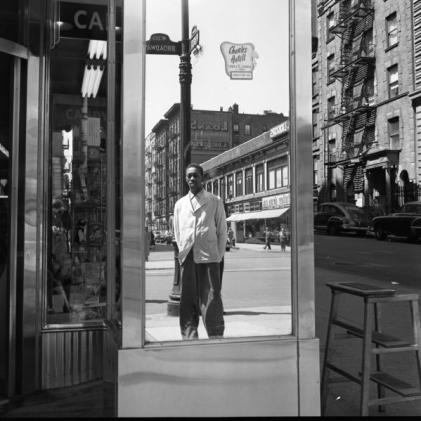 Fifties America exposed – photographs by Vivian Maier