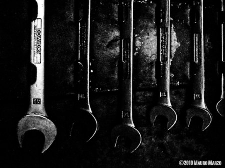 Machine shop #1 – black and white photos by Mauro Marzo