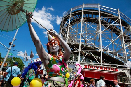 Mermaids on Main Street – photos of the Coney Island Mermaid Parade