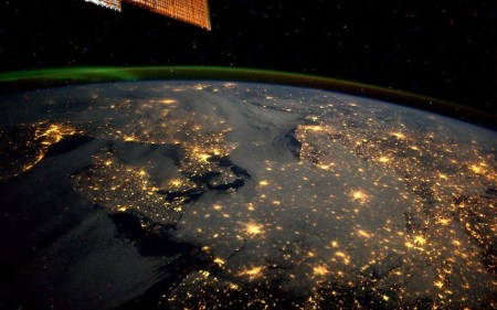 Astronaut Andre Kuipers sends us photos from space