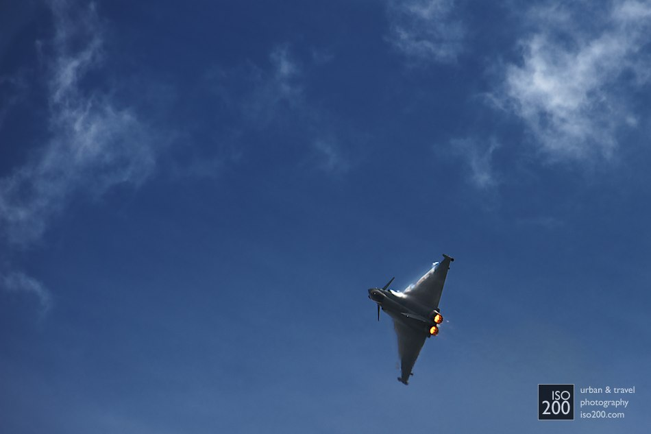 Eurofighter Typhoon turns against the sky, East Fortune Airshow 2013