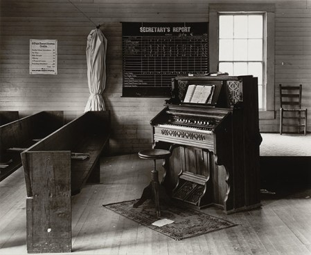 Walker Evans' 1920s-1930s American Photographs