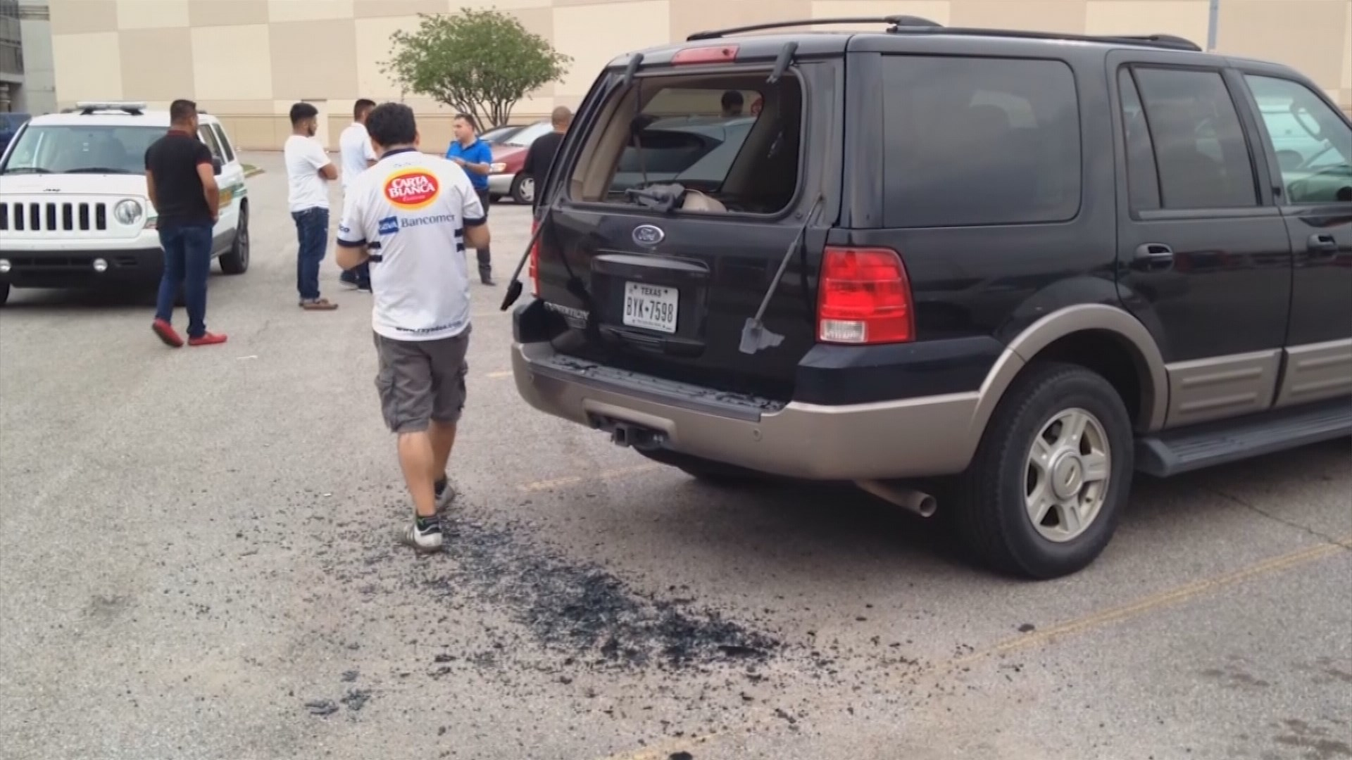 e injured vehicles damaged after BB gun shooting spree at mall