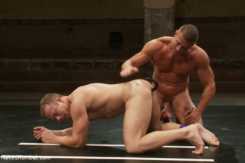 Muscle on Muscle - Tyler Saint takes on Ethan Hudson - blowjob