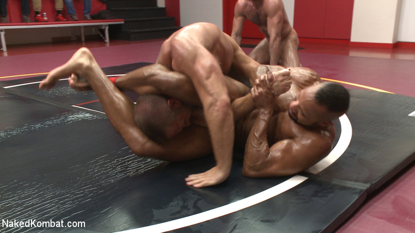 Muscle on Muscle: Live Tag Team Oil Match Between 4 Ripped Hunks! - KinkMen
