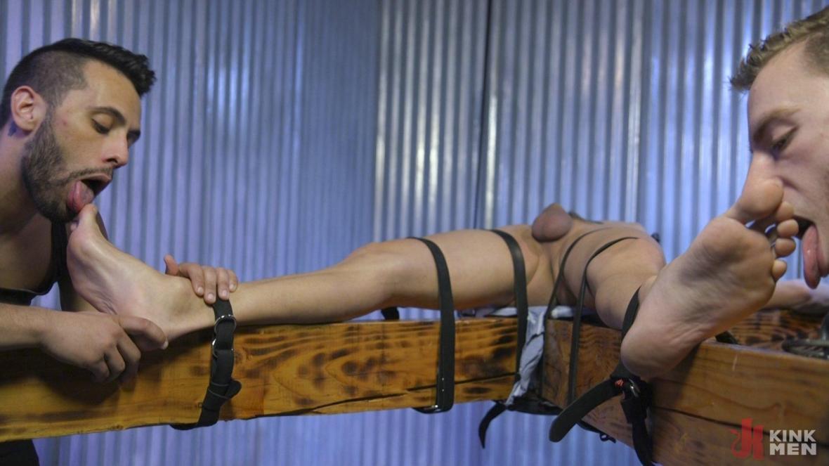 Мышцы красавчик Джош Хантер обрезная в пленении - кожа