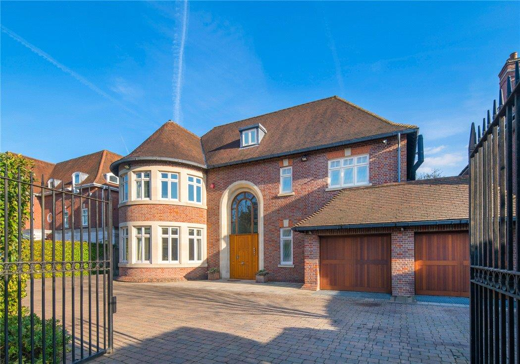 House For Sale In The Bishops Avenue London N2