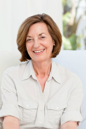 Pretty Medium Hairstyle for Women Over 50