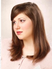 3 flattering medium length hairstyles