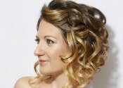 15 Professional Hairstyles For Every Type Of Workplace