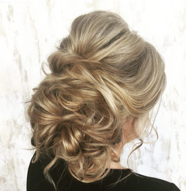 33 breathtaking loose updos that are trendy for 2019