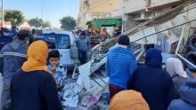 القيروان: حريق ضخم يتسبب في سقوط جزء من بناية وتهشّم سيارات