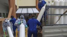 مستشفيات قفصة تتزوّد اليوم بالأوكسيجين القادم من الجزائر
