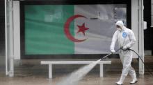 الحكومة الجزائرية تمدّد الحجر الصحي وتمنع حفلات الزواج والختان