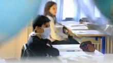 الصحة العالمية واليونيسف: المعلّمون أوّلا في التلقيح!