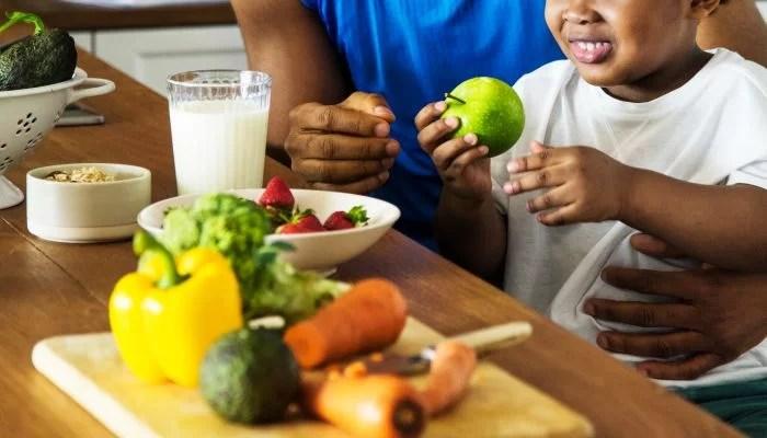 REDE PORTAIS - O PORTAL DO VETOR DO NORTE nutri%C3%A7%C3%A3o-comportamental-filho Nutrição comportamental: saiba o que é e como aplicá-la na sua vida! SAUDE & ALIMENTAÇÃO