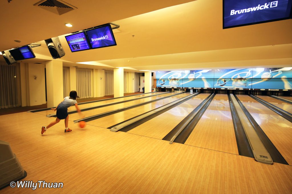 8 lines bowling fpr everyone